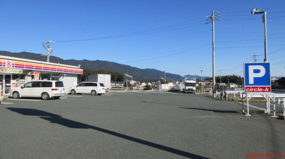 サークルK新城とよさか店 駐車場