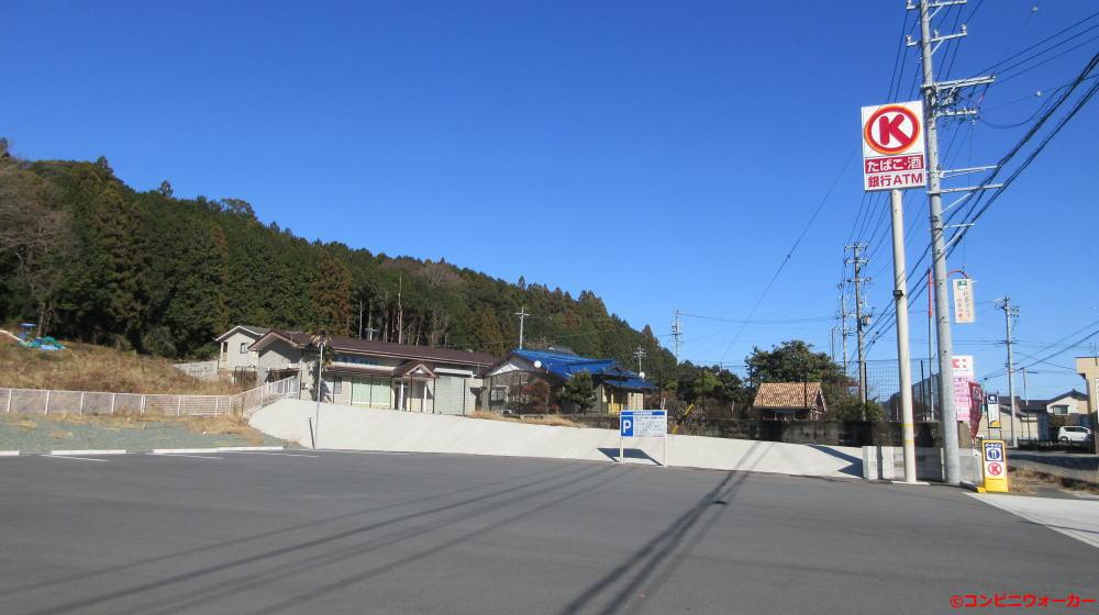 サークルK新城長篠店 駐車場