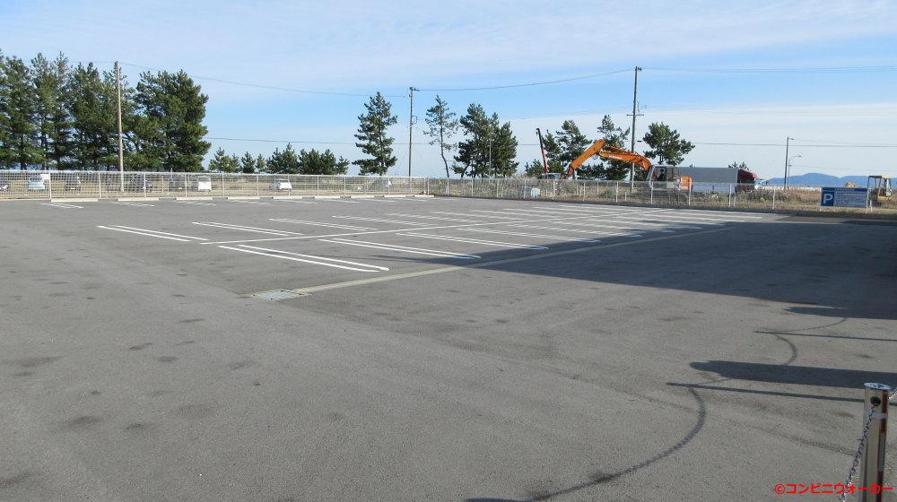 サークルK蒲郡春日浦店 店舗裏にある潮干狩専用駐車場