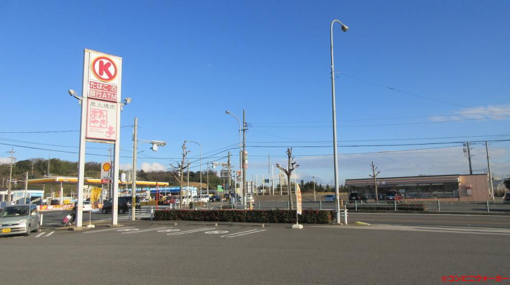 サークルK東海高横須賀店 ポール看板とセブンイレブン東海市高横須賀町店