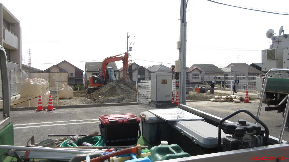 サークルK天白植田東店 ファミリーマート建設工事中(現店舗後方)
